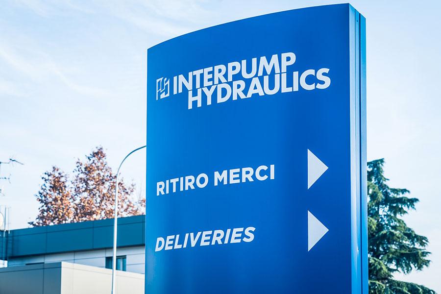 Interpump Hydraulics, Bologna, 2013, complesso industriale formato da tre corpi di fabbrica: officina, palazzina uffici e magazzino verticale | BI Engineering