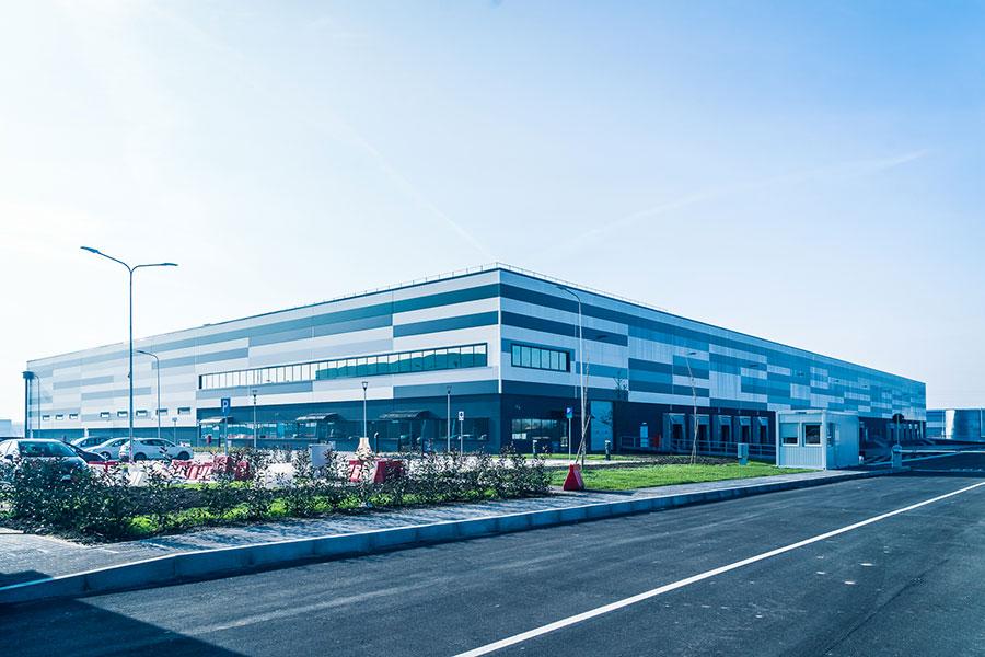 Jaguar-Land Rover, 2017, Bologna, complesso logistico formato da deposito e palazzina uffici | BI Engineering