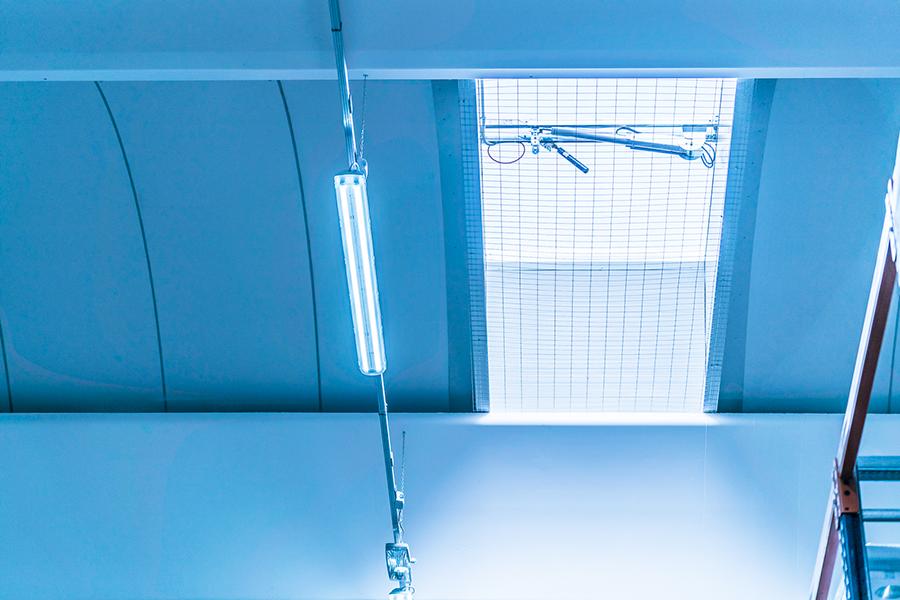 Struttura prefabbricata con soluzione con copertura con evacuatori di fumo e calore - EFC | BI engineering