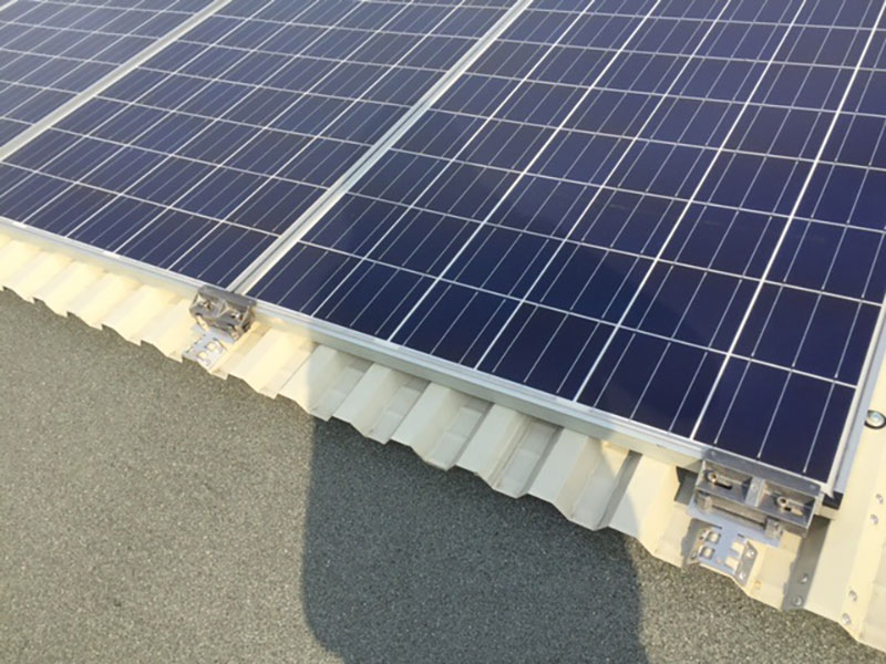 Struttura prefabbricata con soluzione con copertura travi alari con fotovoltaico | BI engineering